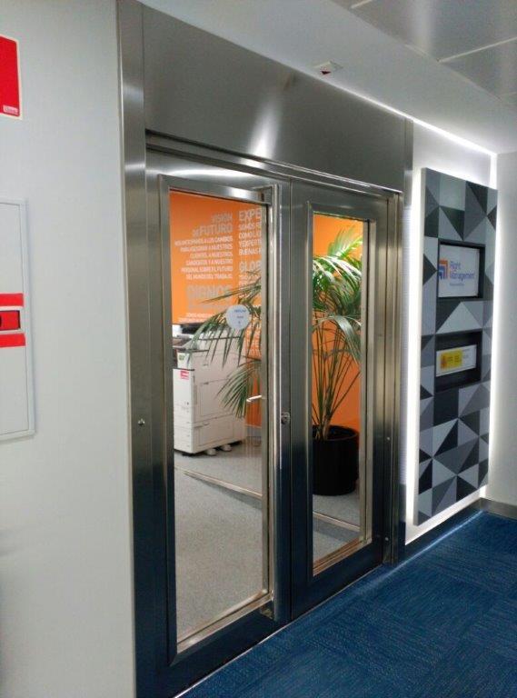 Danet Inoxidables - Puerta Cortafuegos de Vidrio Doble en Acero Inoxidable